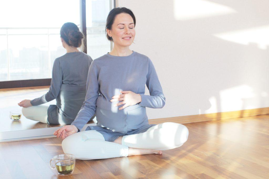 お腹を温めて内蔵を健康にしましょう!腰痛予防にも繋がります。ひざサポーター ふくらはぎサポーター くつした かかと はらまき 保温 腰痛 腰痛ベルト 腰痛予防 健康サポーター 骨盤ベルト 初期妊娠 超初期妊娠 冷え性 冷え症